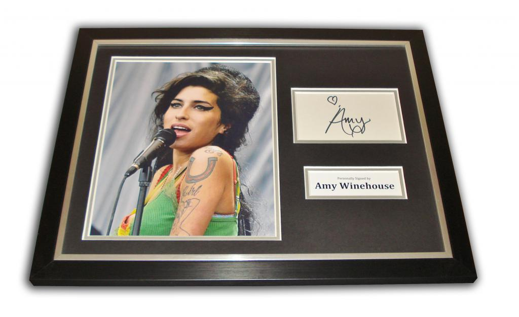 Amy Winehouse Autograph